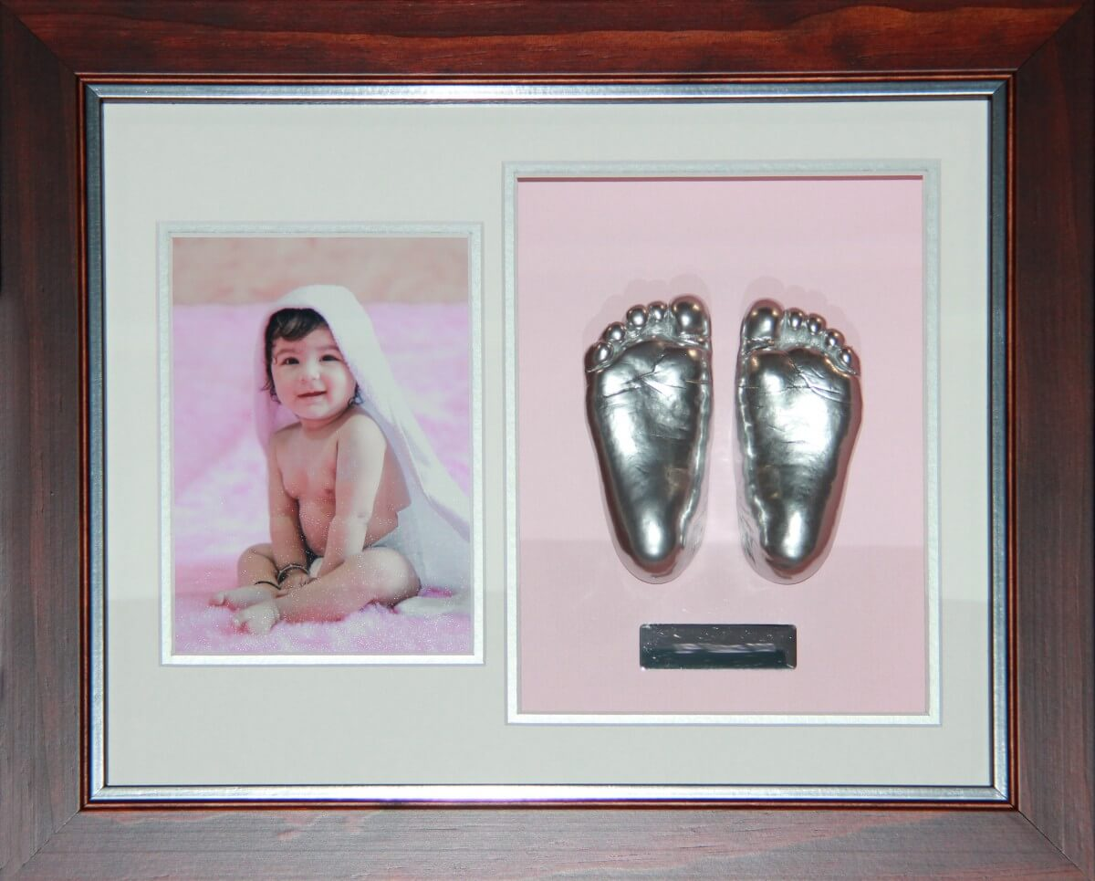 Premium range frame of 1 year old Myra's little feet for her grandmother which will be headding home with her to Sri Lanka